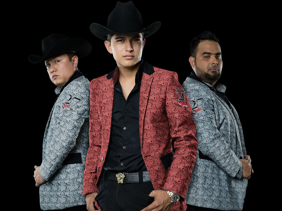 Ulices Chaidez y sus Plebes - Billboards