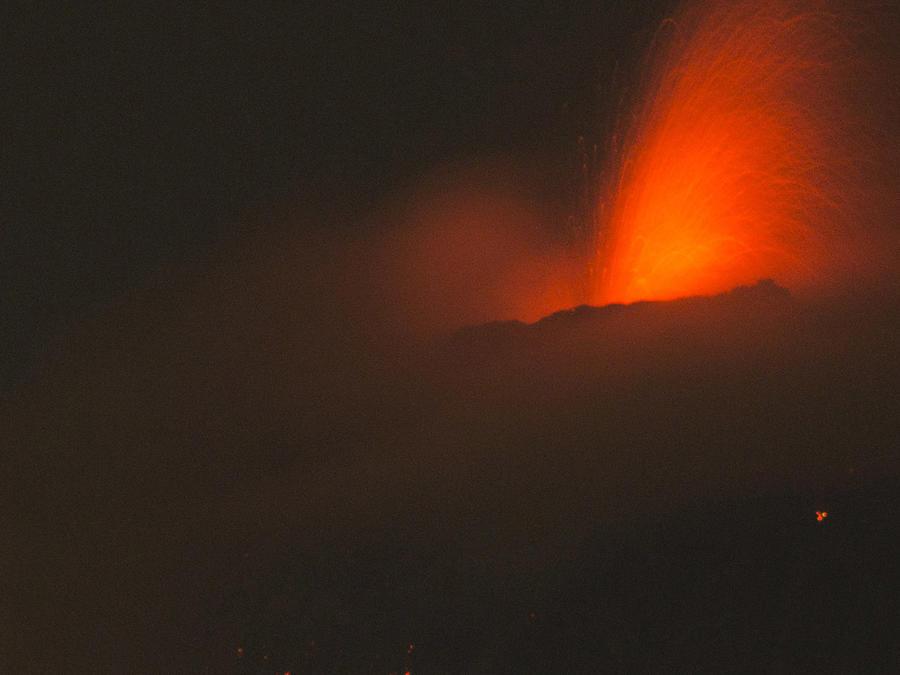 Violenta erupción del volcán de Fuego en Guatemala