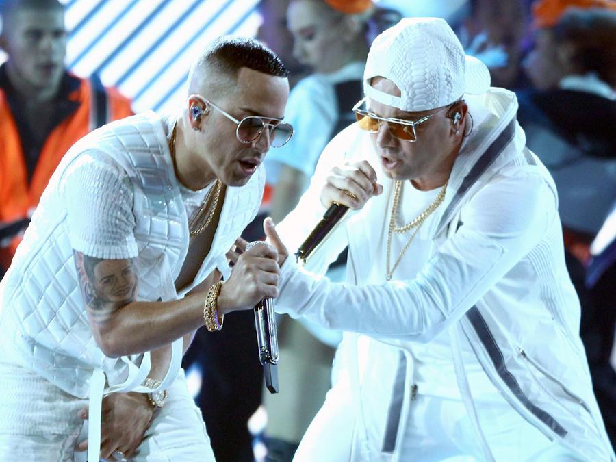 Wisin y Yandel en los Latin AMAs 2018