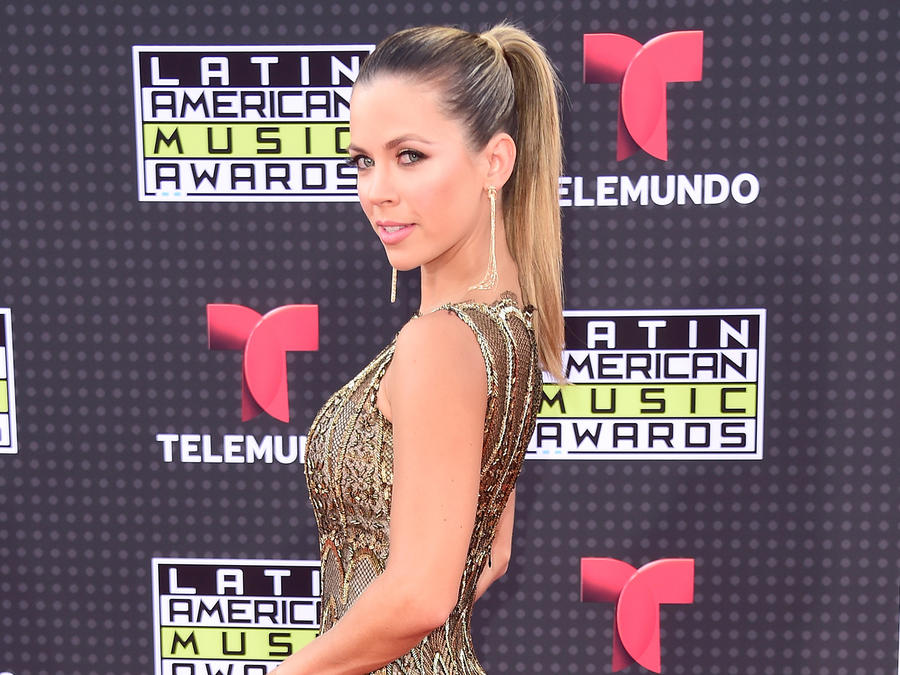 Ximena Duque on the red carpet of the Latin American Music Awards 2015