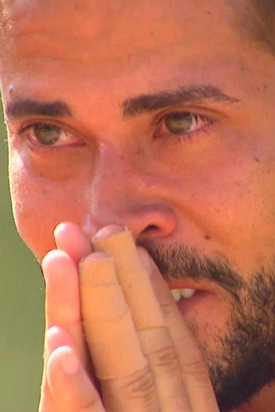 Tommy conmovido hasta las lágrimas