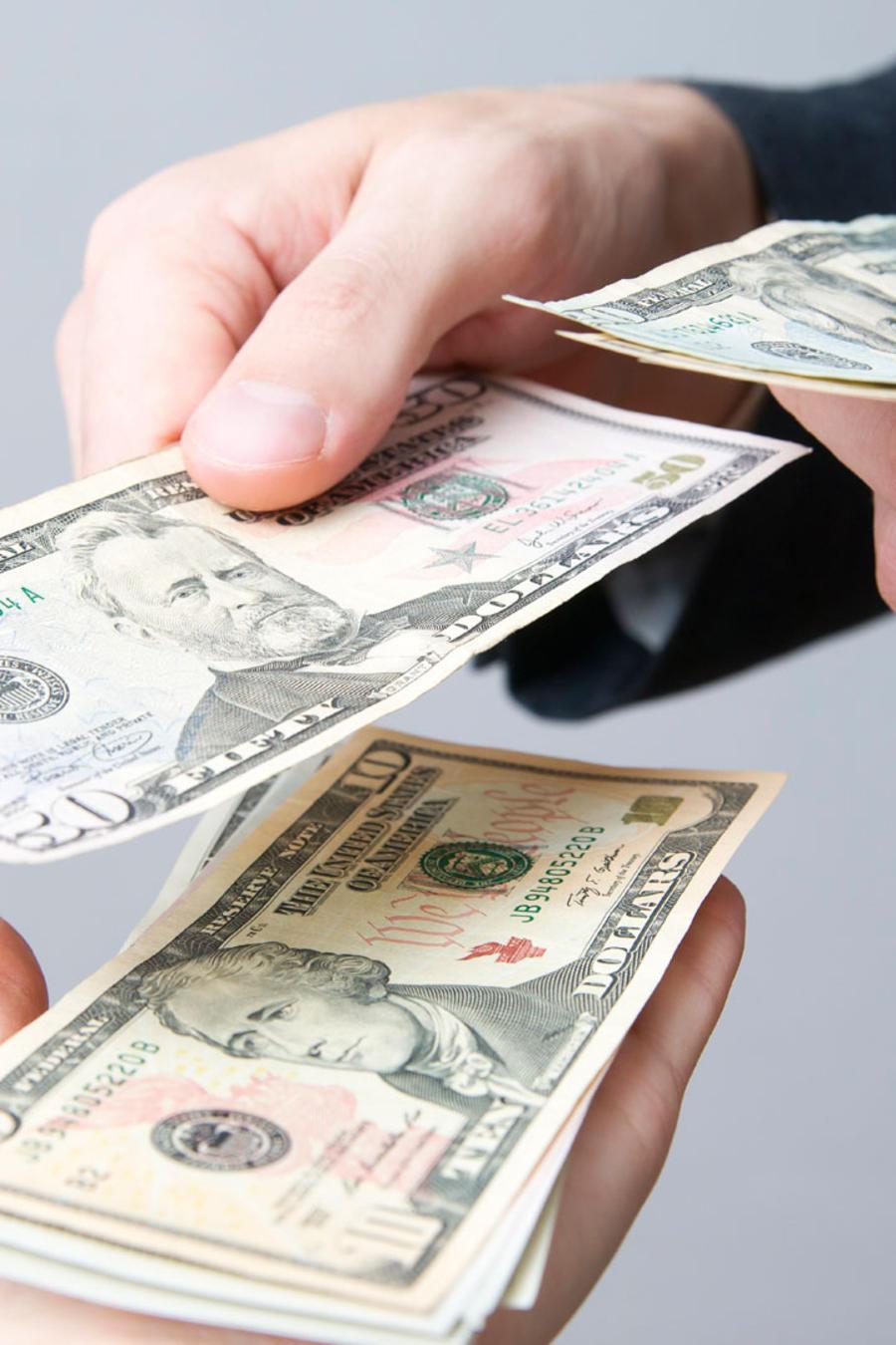 manos dinero