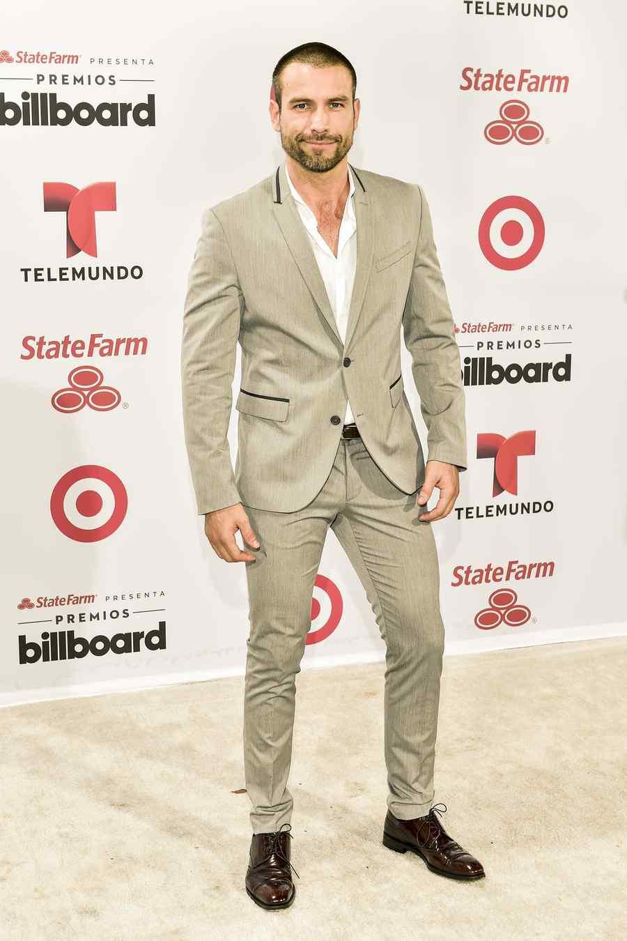 afael Amaya en la alfombra blanca de los Premios Billboard 2015
