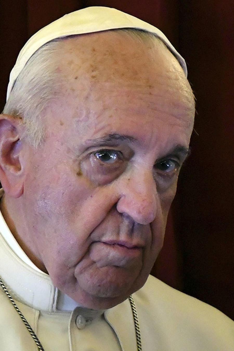 El papa Francisco durante un encuentro con los reporteros en suvuelo de regreso  desde Marruecos hasta El Vaticano.