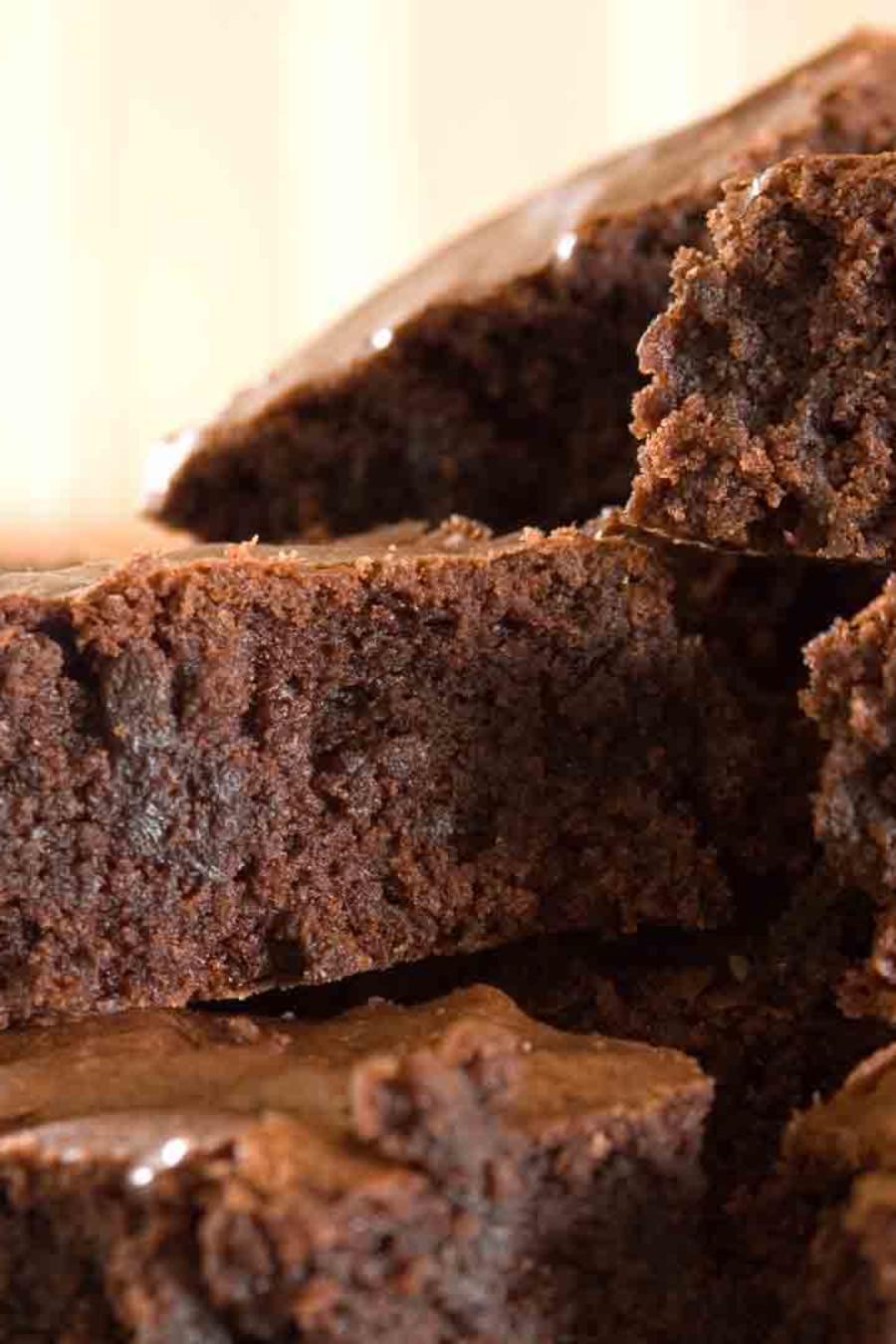 Aprende a preparar unos deliciosos brownies dorados