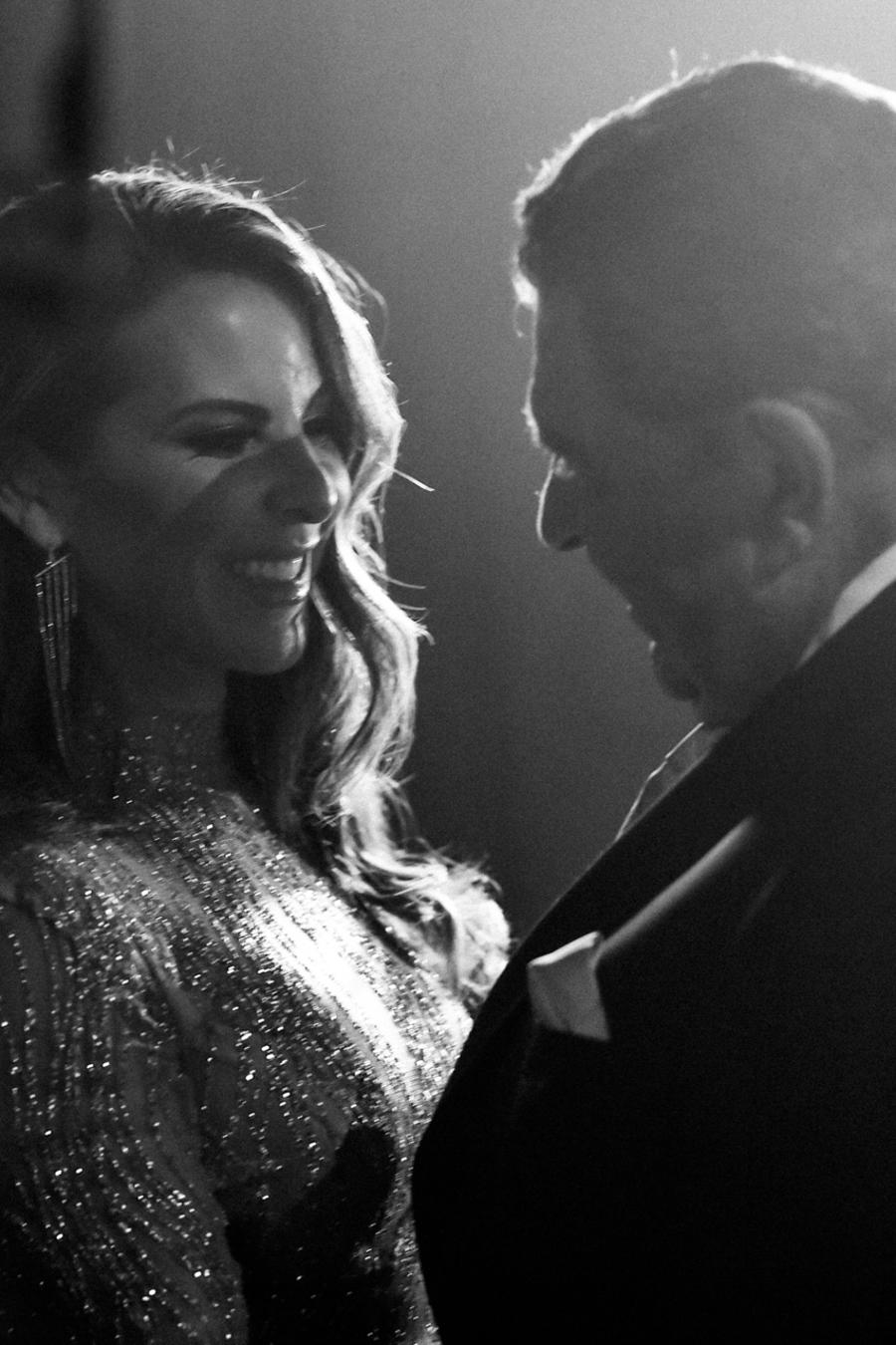 Kate del Castillo y Don Francisco backstage Latin AMAs
