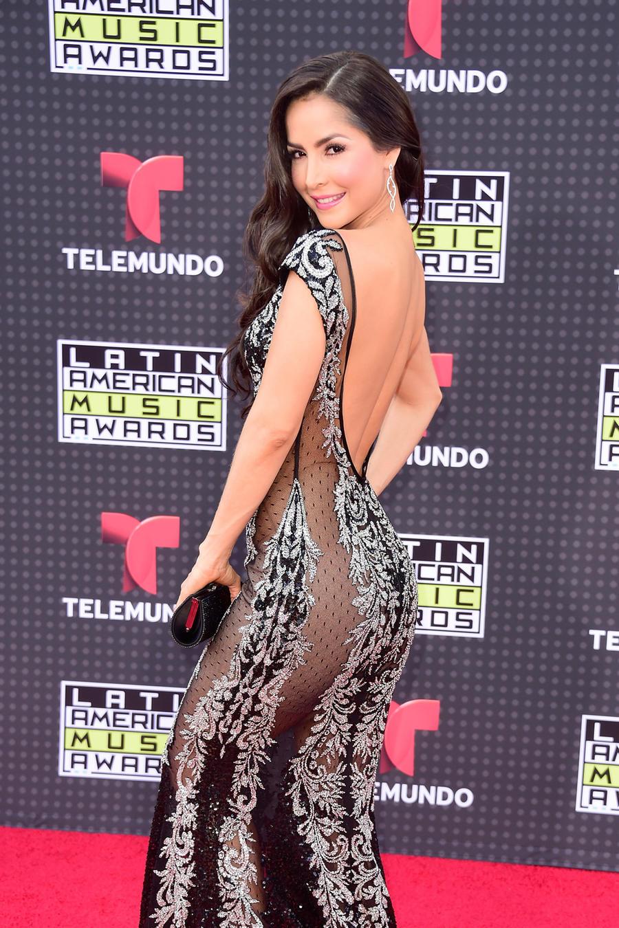 Carmen Villalobos en la alfombra roja de los Latin American Music Awards 2015