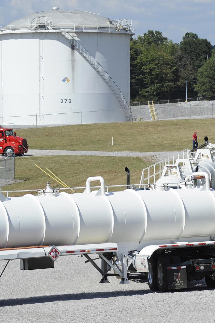 Camiones cisterna de Colonial Pipeline