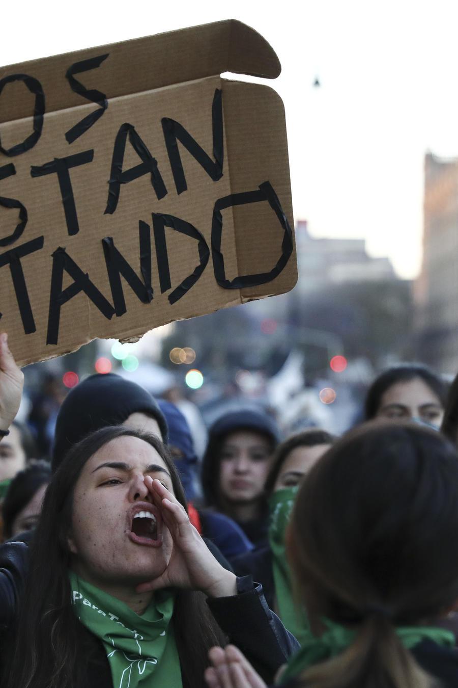 Grupos de manifestantes contra la violencia de género en México, el 18 de febrero de 2020.