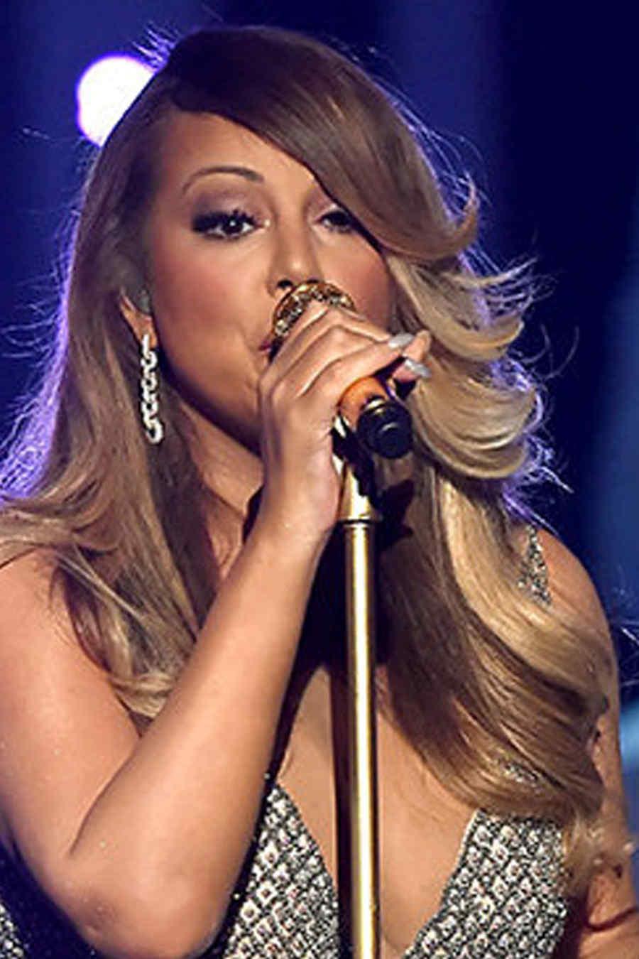 Mariah Carey en su presentación en los Billboard Music Awards 2015
