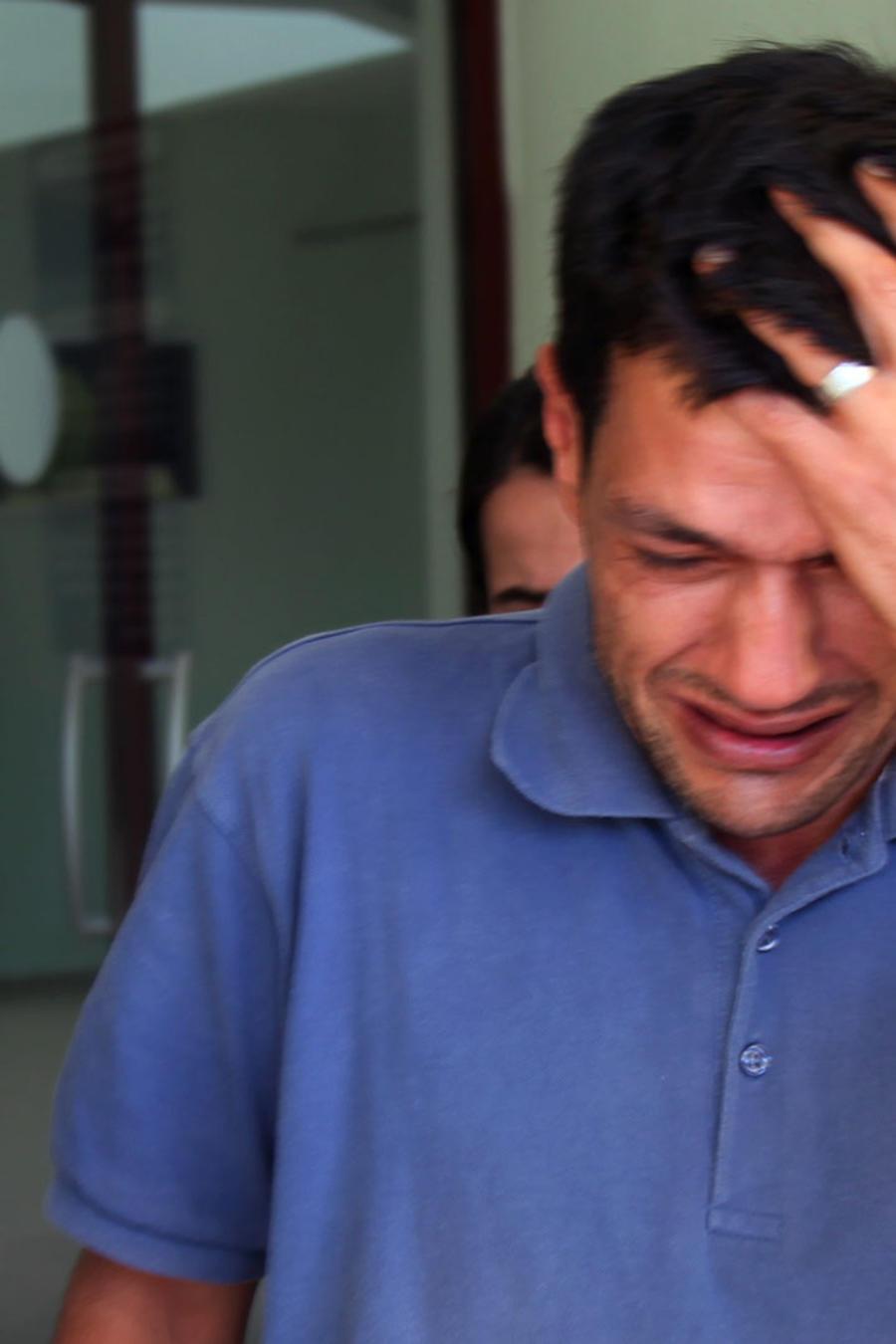 padre destrozado niños ahogados
