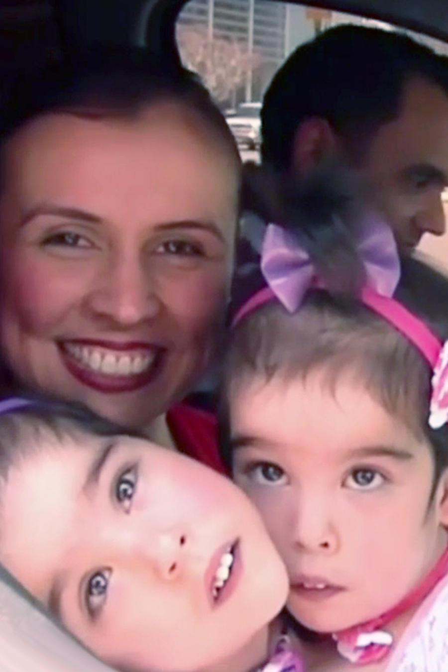 Siamesas venezolanas llegan a Houston para ser operadas