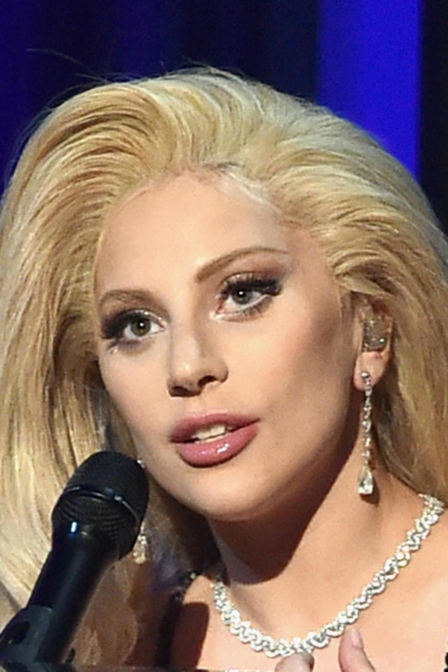 Lady Gaga en los Producers Guild Awards 2015