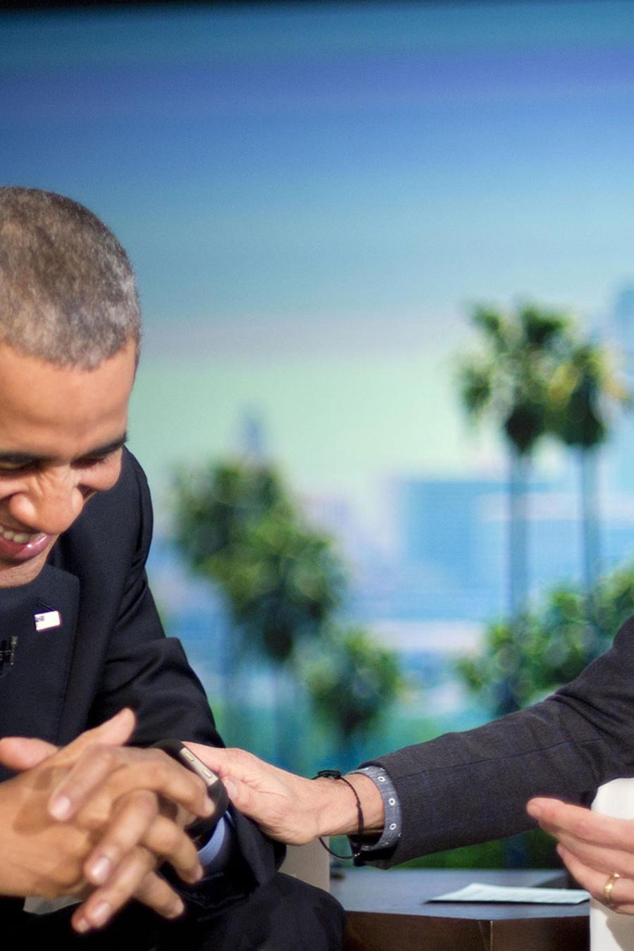 obama junto a ellen degeneres en programa