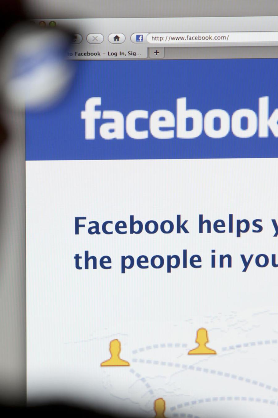 Hombre en Facebook