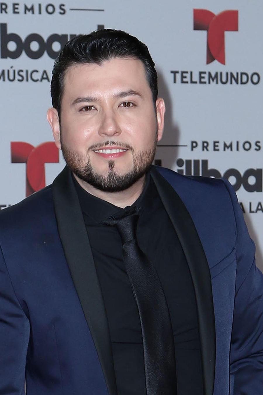 Roberto Tapia en la alfombra roja de los Billboard Latin Music Awards 2016