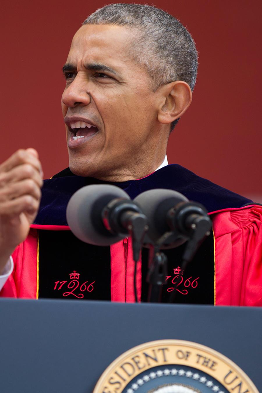 El presidente Obama durante la ceremonia de graduación en Rutgers University el domingo 15 de Mayo del 2016 en Piscataway, New Jersey