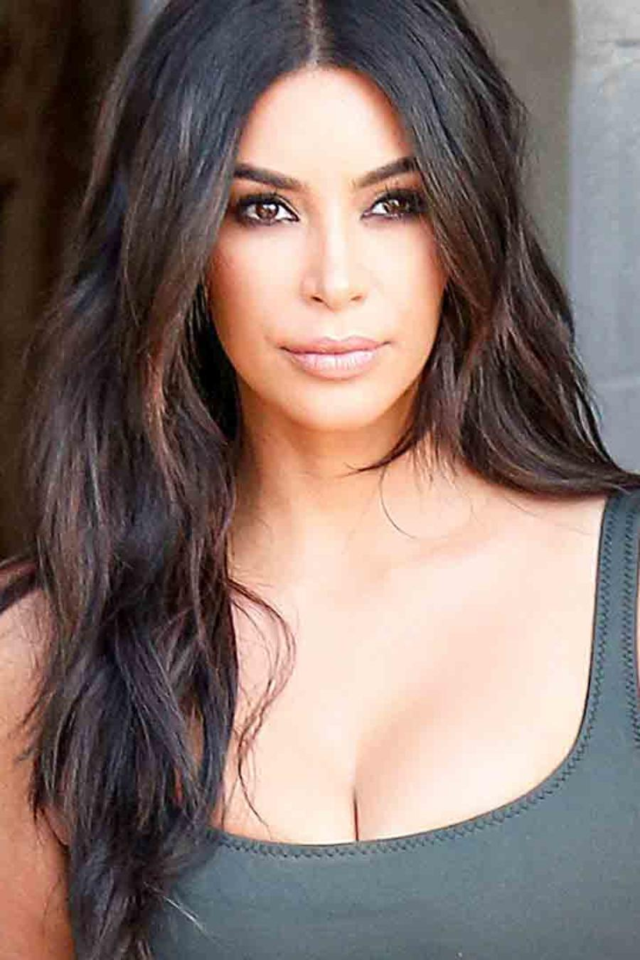 Kim Kardashian con los pechos sudados