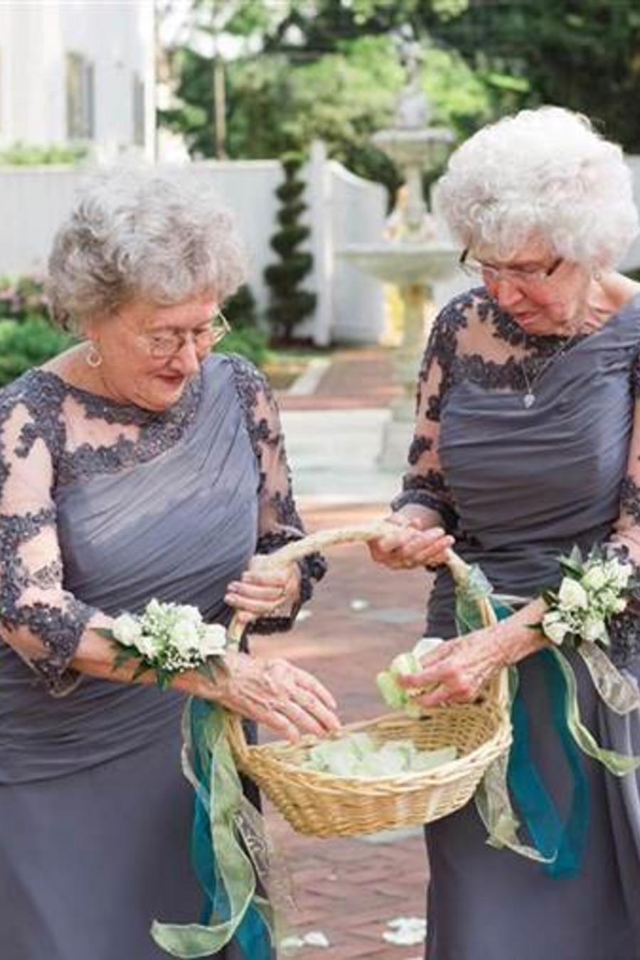 Joyce Benedict y Drue Fitzgerald durante la boda de sus nietos