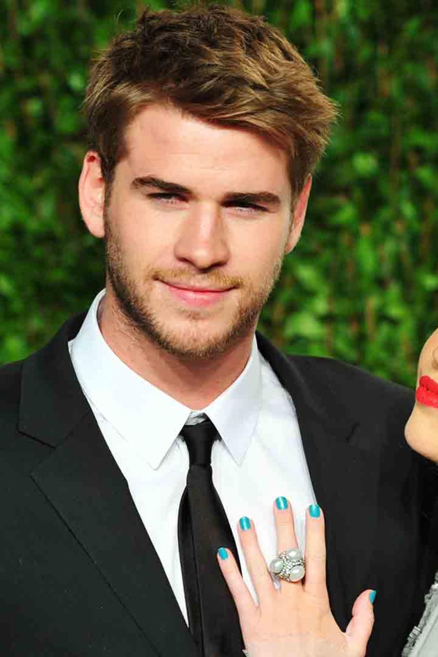 """Miley Cyrus y Liam Hemsworth cantan """"Love Yourself"""" de Justin Bieber juntos"""