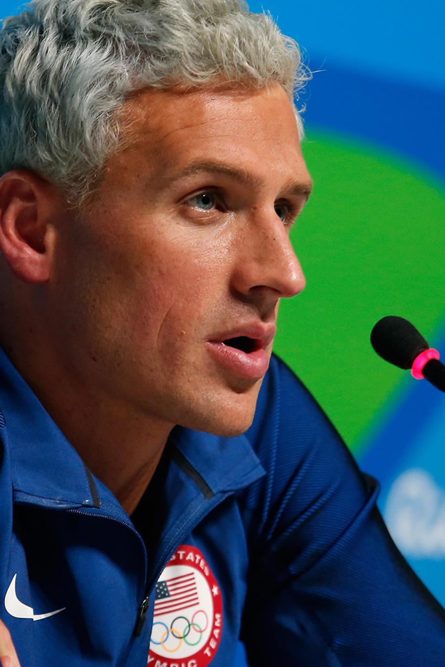 El nadador de EEUU Ryan Lochte en conferencia de prensa en Río de Janeiro el 12 de Agosto del 2016