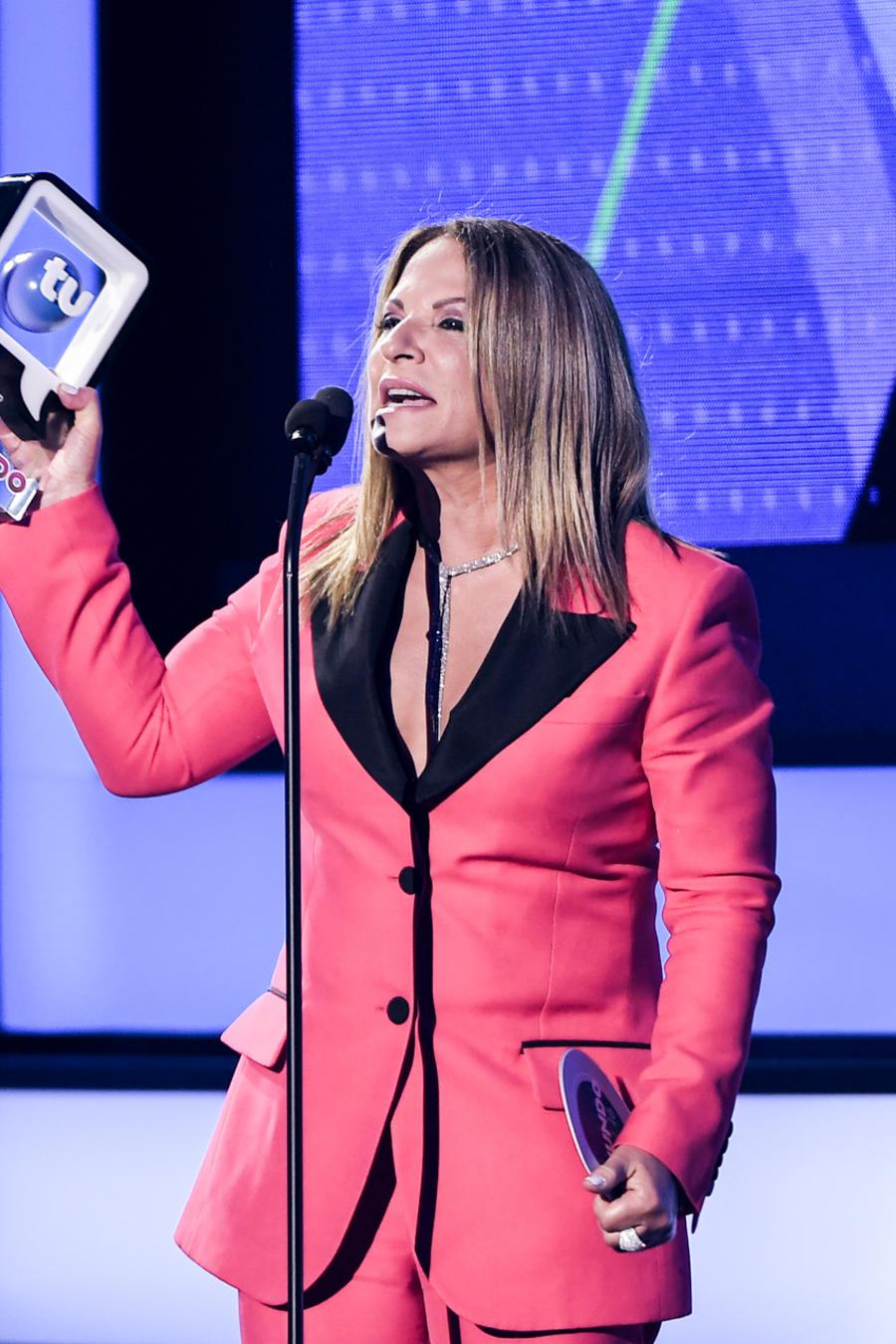 Dra Ana María Polo, Premio Estrella De Telemundo -2016