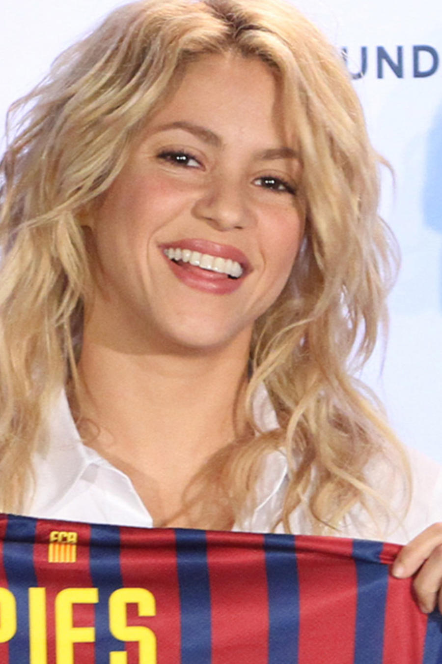 Shakira Attends Pies Descalzos Press Conference