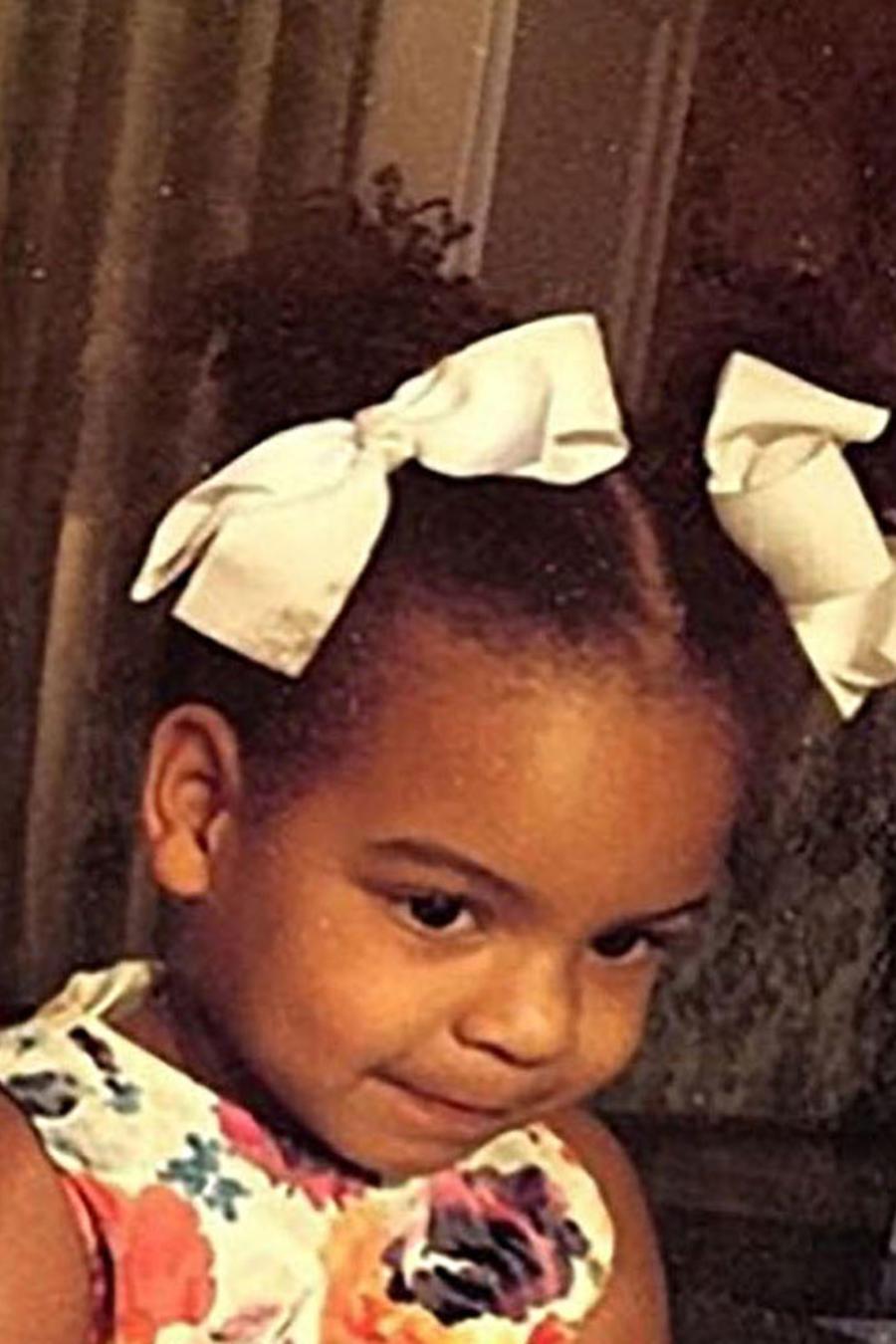 Beyoncé y su hija Blue Ivy posando