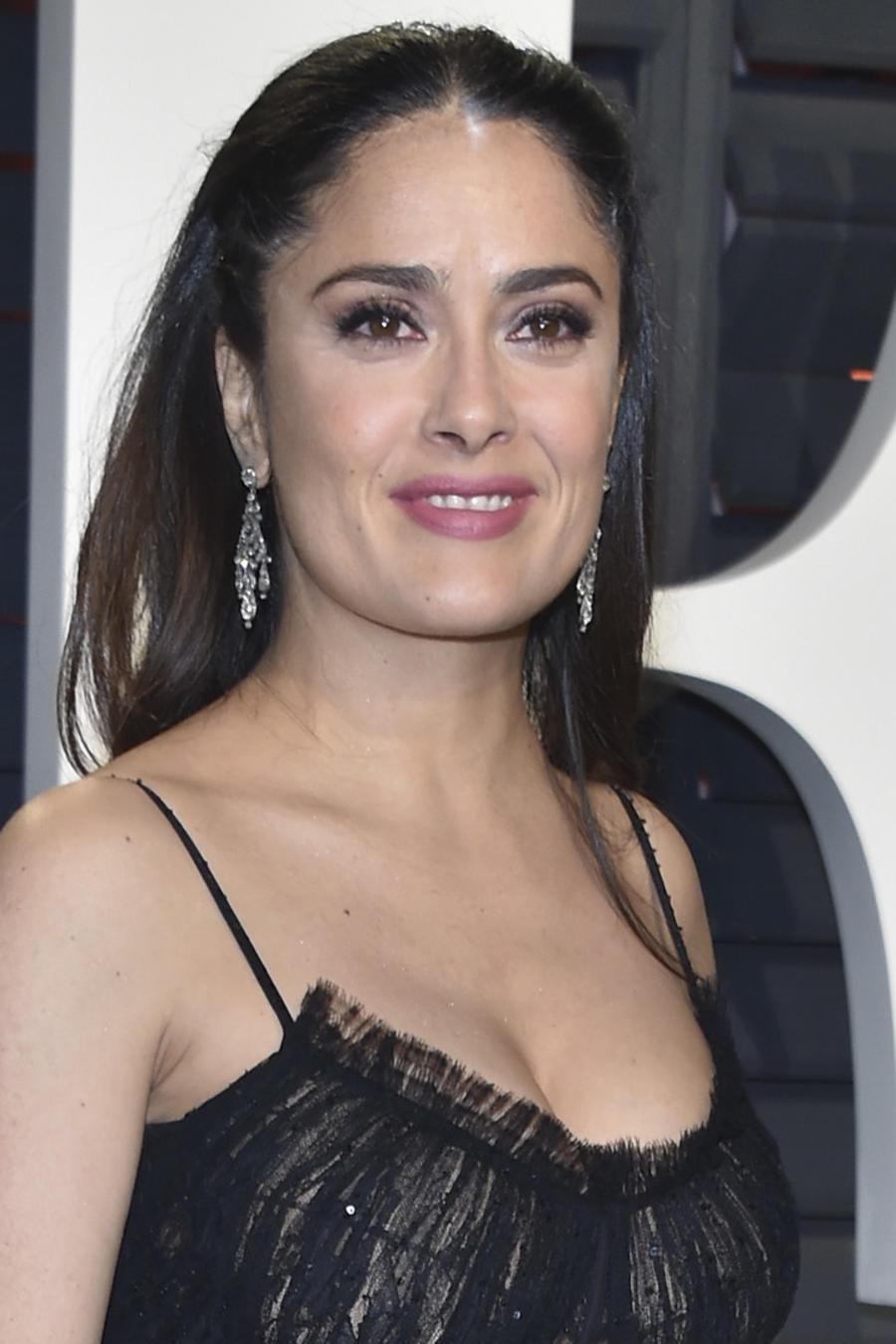 Salma Hayek canta con mariachi tras los Oscar 2017