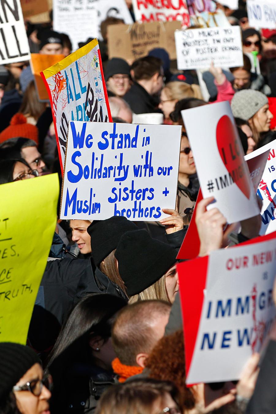 Manifestantes protestan en New York contra el veto migratorio de Donald Trump