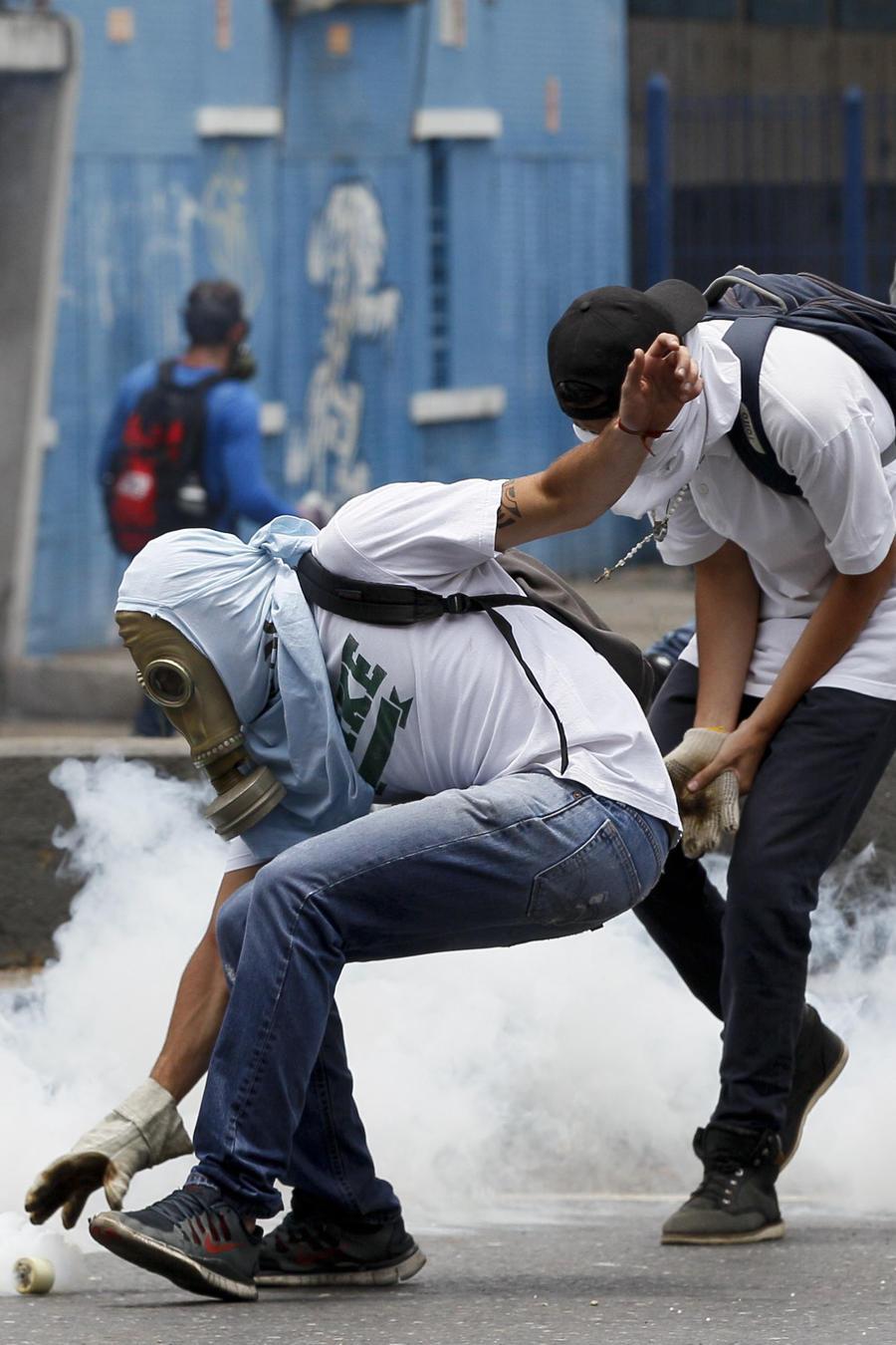 Muertos y heridos en otro día de protestas en Venezuela