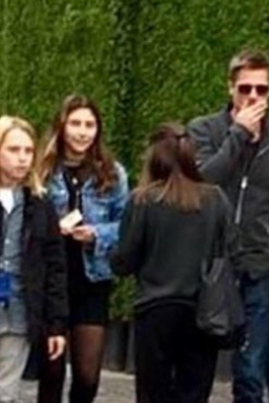 Brad Pitt con los hijos de Chris Cornell