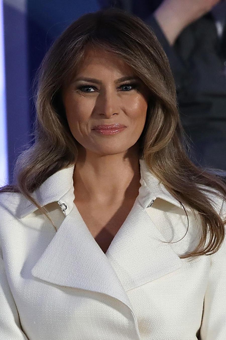 Melania Trump sonriendo