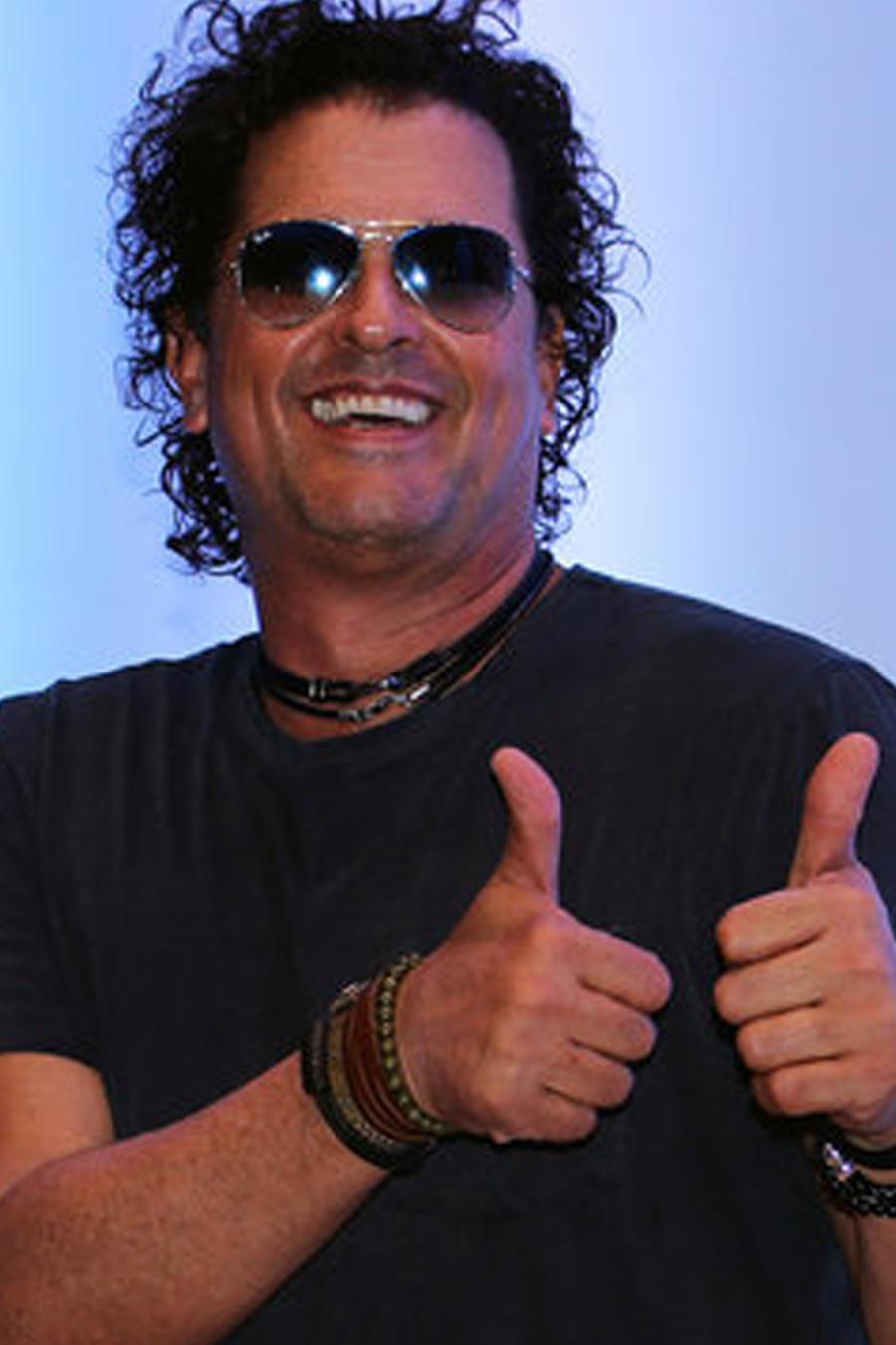 Carlos Vives en la conferencia de Premios Heat