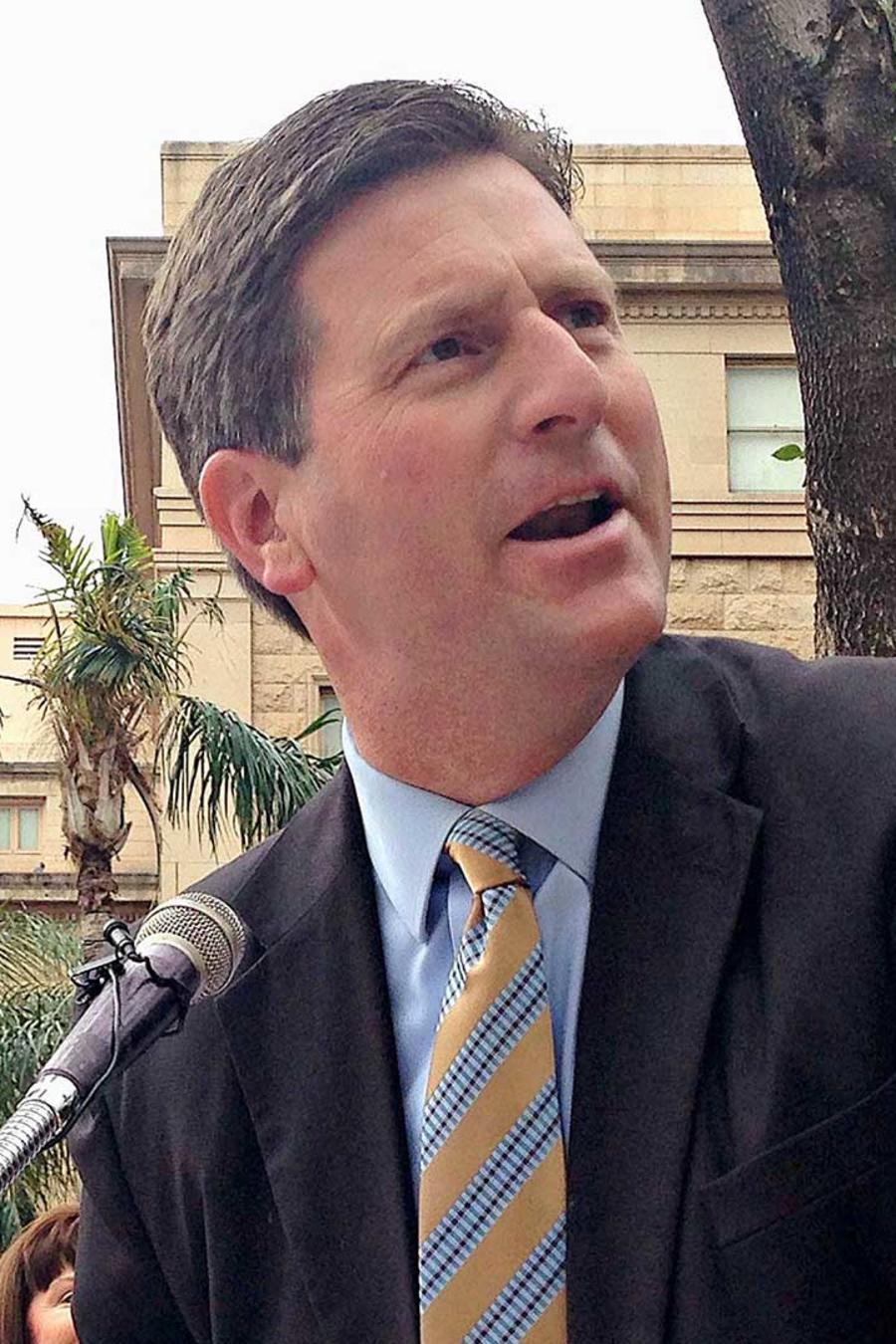 El alcalde de Phoenix, Arizona, Greg Stanton, en conferencia de prensa en el 2016