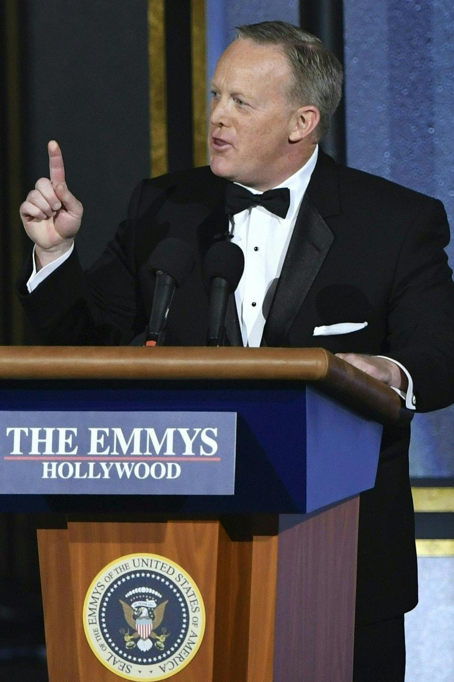 Sean Spicer en los Emmy 2017