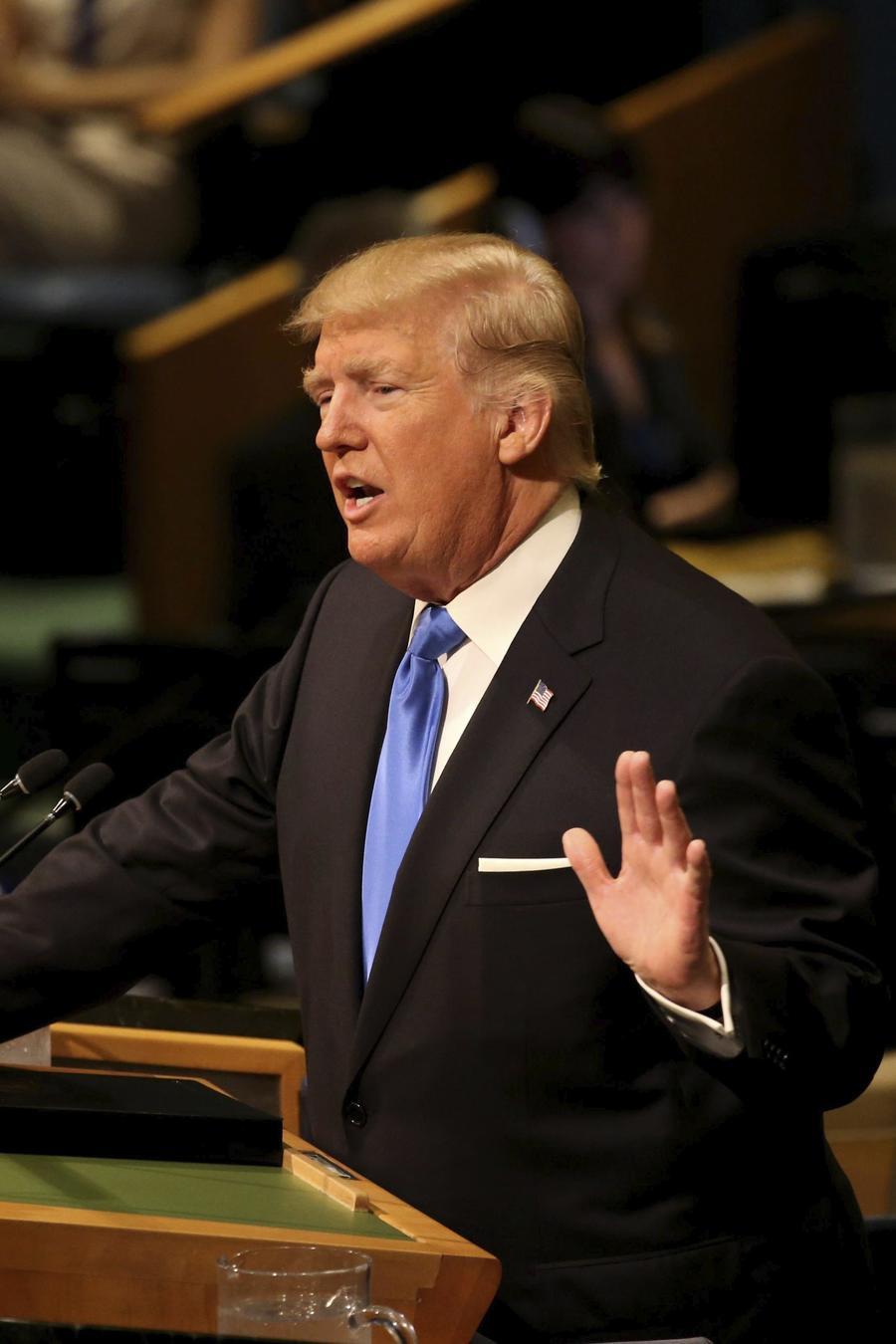 El presidente de Estados Unidos, Donald Trump, ofrece un discurso de apertura del debate de alto nivel de la Asamblea General de la ONU, en su sede en Nueva York (Estados Unidos) el 19 de septiembre de 2017. EFE/Peter Foley