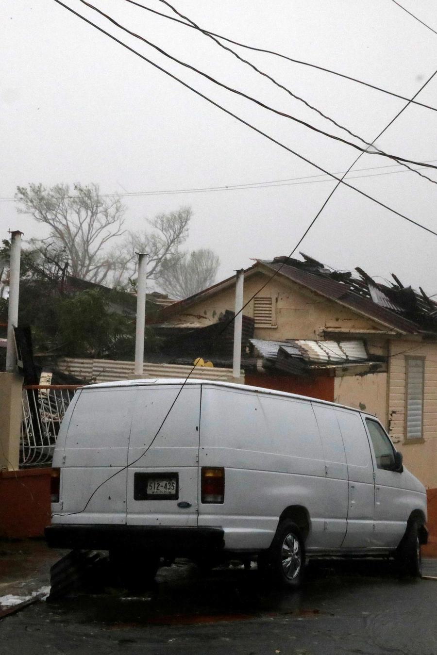 Los daños son visibles en Guayama, este de Puerto Rico, tras el paso del huracán María por la isla.