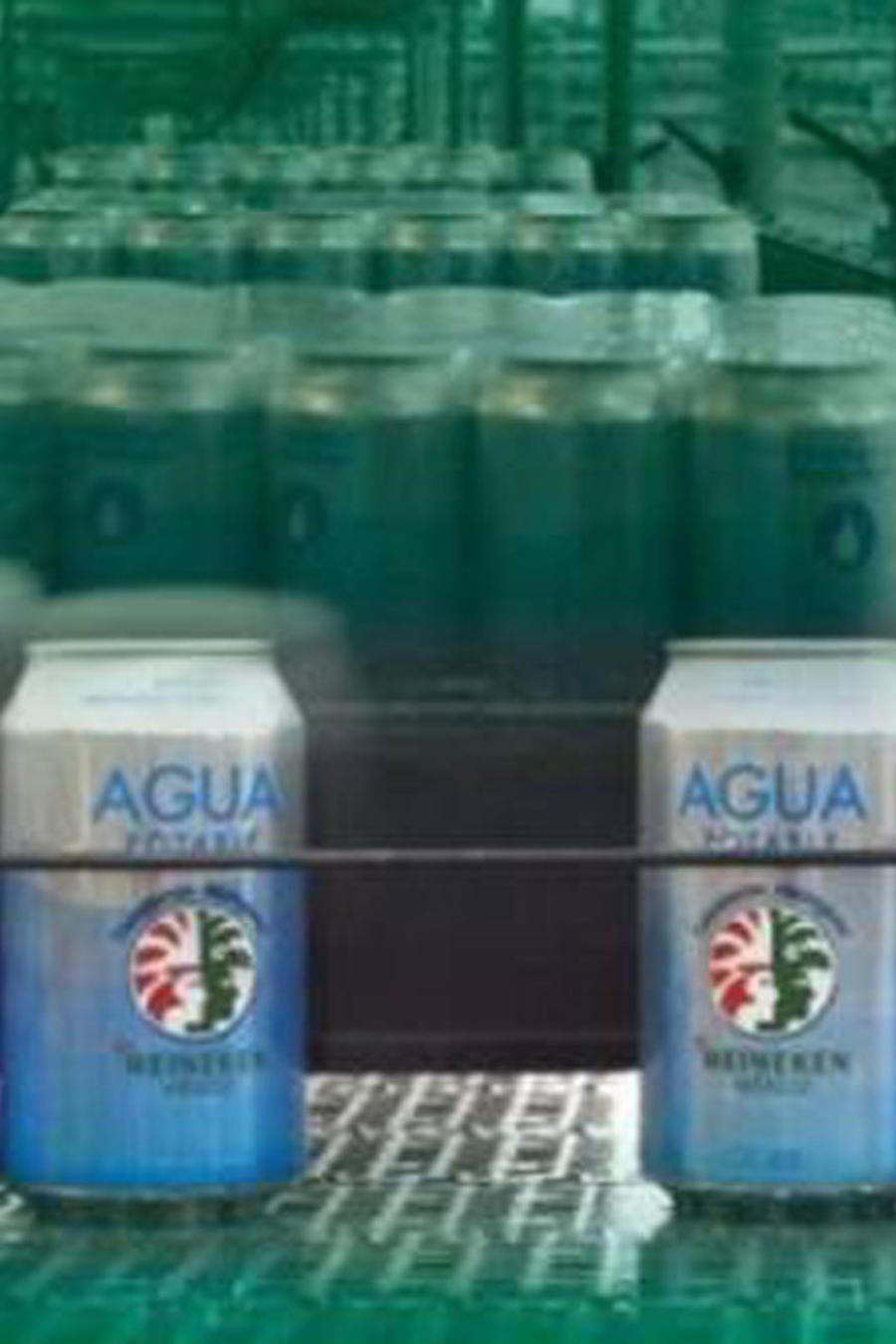 Agua en lata