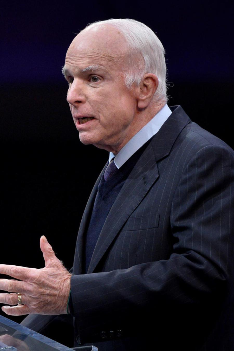 El senador John McCain al recibir la Medalla de la Libertad el 17 de octubre