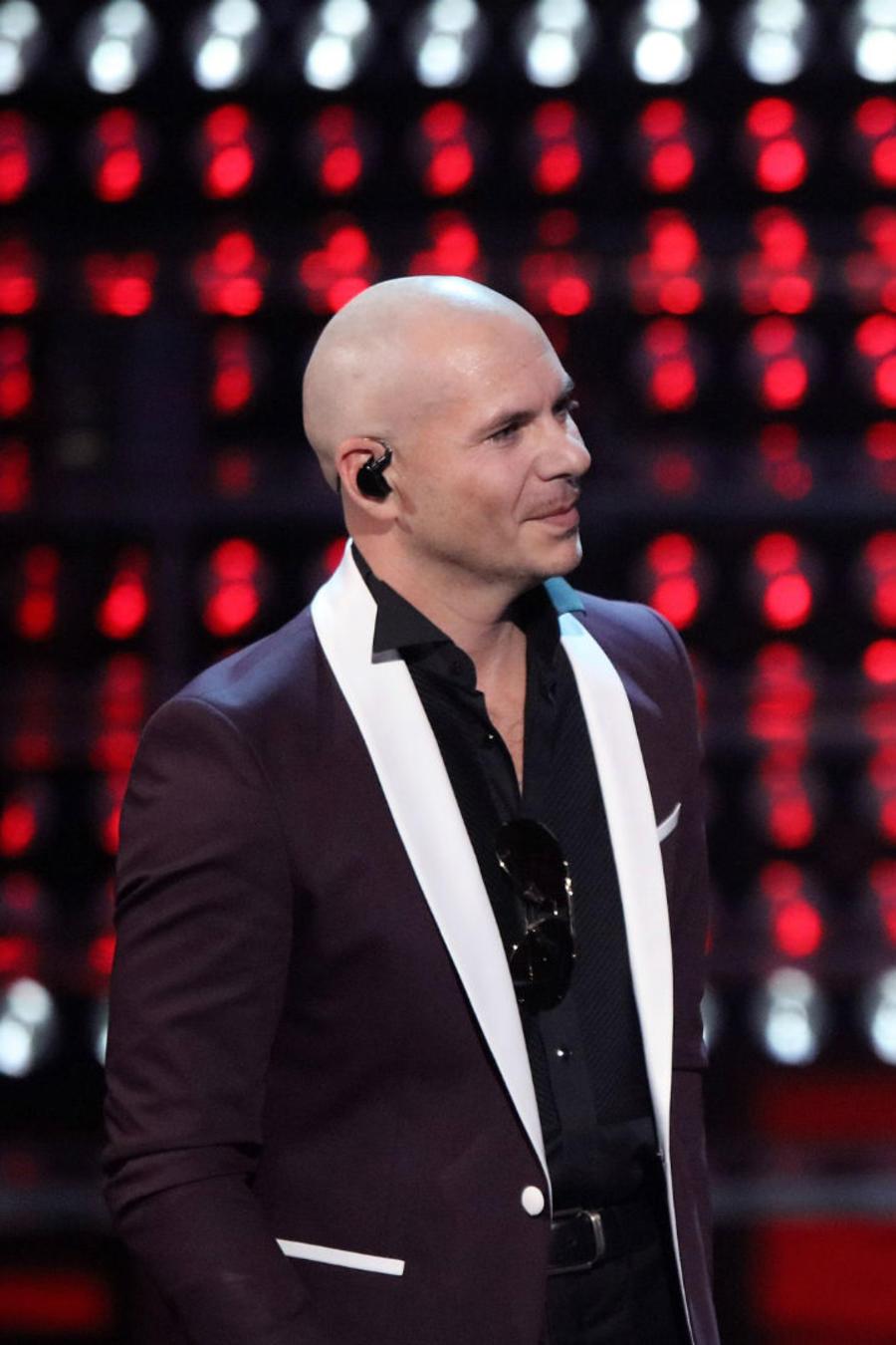 Pitbull y Enrique Iglesias en los LatinAMAs 2017