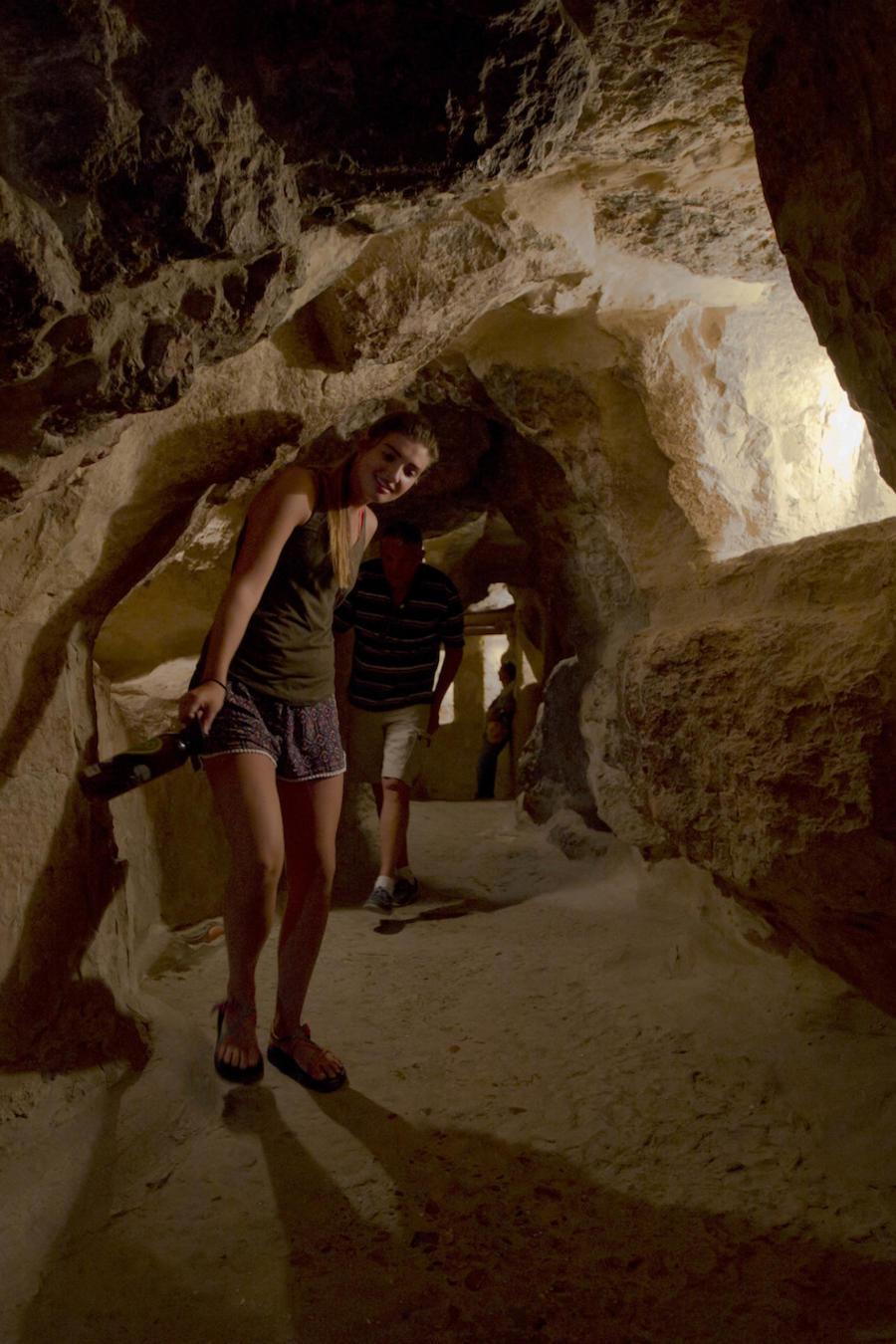 Turistas visitando la Gran Pirámide de Giza en junio de 2016.