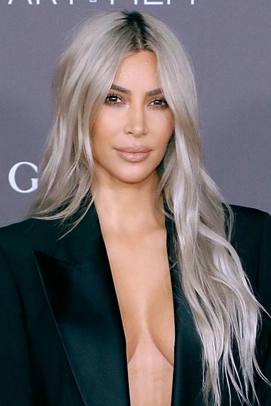 Kim Kardashian sin sostén