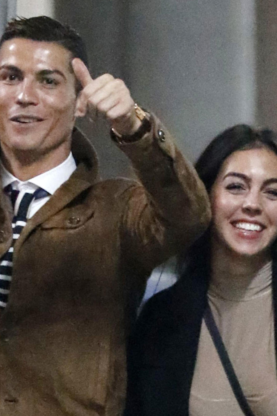 Cristiano Ronaldo sonriendo con Georgina Rodríguez