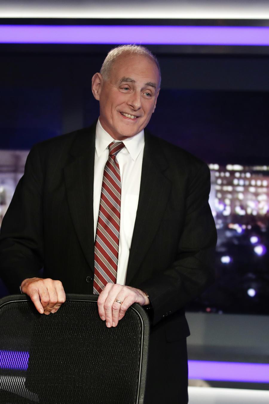 El jefe de gabiente de la Casa Blanca, John Kelly, sale de una entrevista con Fox News el 17 de enero de 2018.
