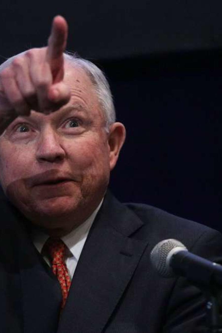 El fiscal Jeff Sessions ha sido crítico de las cortes migratorias.