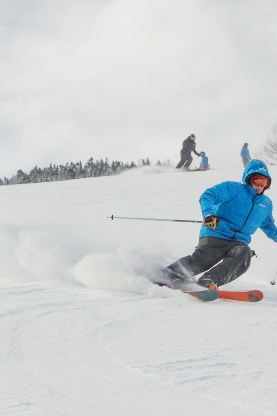 Un esquiador en Whiteface Mountain en febrero de 2017.