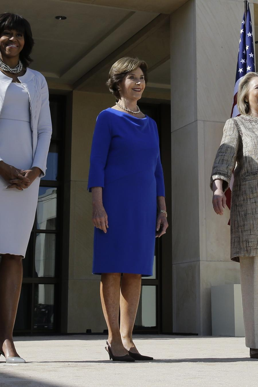 Las ex primeras damas Michelle Obama, Laura Bush y Hillary Clinton  durante un evento en el George W. Bush Presidential Center, en Dallas, en abril de 2013.