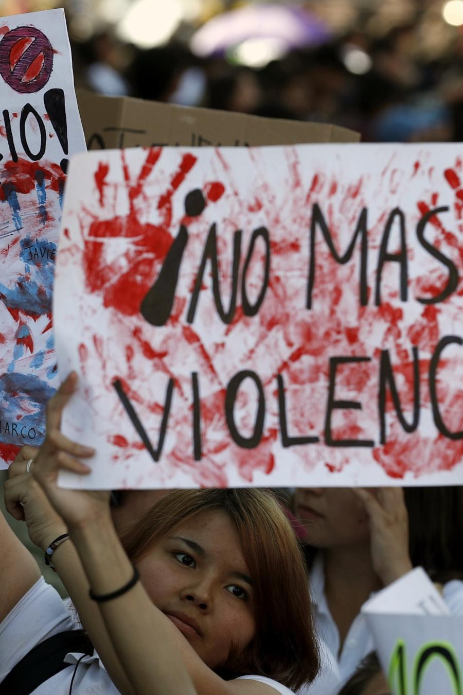 Estudiantes en México protestan contras la inseguridad y la violencia.