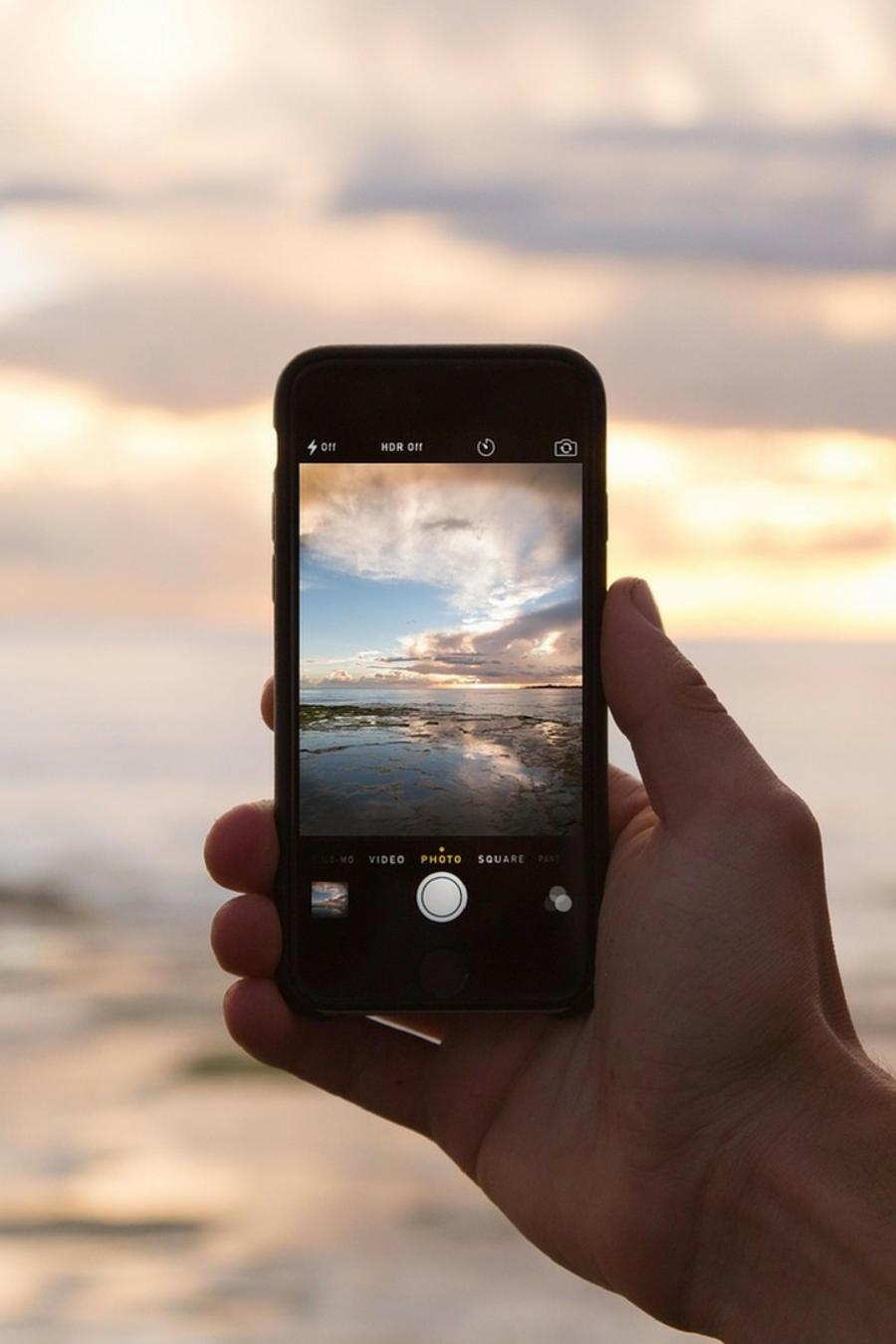 Muchos de los viajeros que llegan a ese destino son lo que hoy en día se conoce como influencers de redes sociales.
